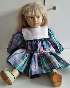 Schöne Puppe SIGIKID Nr. 7 Weichkörper Künstlerpuppe Sammler Rarität