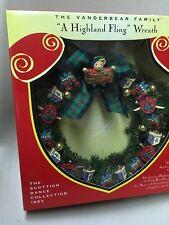 MUFFY VANDERBEAR FAMILY A HIGHLAND FLING CHRISTMAS HOLIDAY WREATH #828 NIB MINT