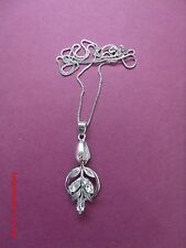 VAN DELL STERLING SILVER VINTAGE RHINESTONE LEAVES PENDANT NECKLACE
