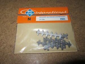401Q Roco No 2501 Autriche 24 Connecteurs de Rail Isolant Neuf + Sachet N 1:160