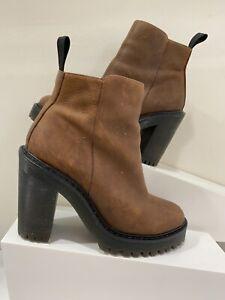 Dr.Martens - Magdalena Zip boot - Brown Aztec leather -Size 5 UK