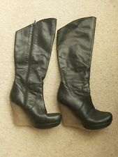 Moda in pelle Knee high leather wedge platform boot size 4