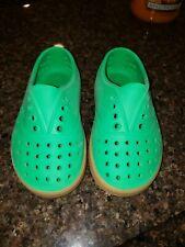 Native shoes C9 Green/tan VGUC