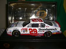 1/24 Action Elite Harvick 2001 Oreo show car