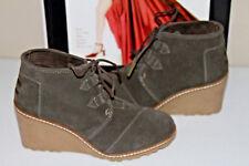 *78 TOMS TARMAC GREEN SUEDE CREPE DESERT WEDGE BOOTS  SZ 5.5  MSRP$119