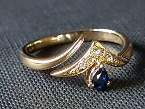 BEAUTIFUL SECONDHAND 18ct YELLOW GOLD DIAMOND BLUE SAPHIRE WISHBONE RING SIZE N