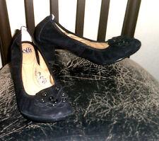 "Sofft ""Ventrice"" Black Suede Genuine Leather Floral Accent Sz 9M Pump Heels"