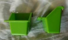 New listing 2 Bird Food Water Feeder Cups Green Med. (4 oz.) Wire Hooks