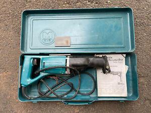 Makita JR3000V 6 Amp Variable Corded Speed Reciprocating Saw With Case