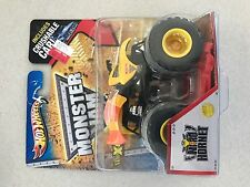 Hot Wheels Monster Jam Nitro Hornet 1/64 Scale w/ Crushable Car NIP 1/64 Scale