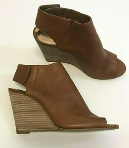 Vince Camuto sz 10 Mapps Burnt Saddle Brown Leather Booties open toe