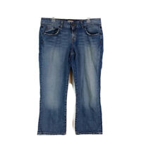 Buckle BKE Womens sz 34 Jeans Blue Denim Medium Wash Capri Faded Distressed
