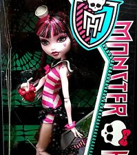 NEW Monster High Draculaura Skull Shores Doll 2011 W9184 Gift Idea Retired VHTF