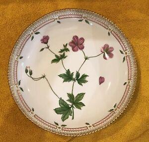 Royal Copenhagen Flora Danica Large Serving Bowl 25.5cms 20/2305 - 2nd at fault