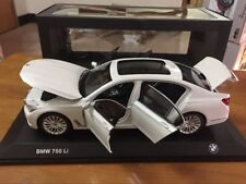1:18 I-Scale BMW 750LI Long Version 2017 White-Metallic