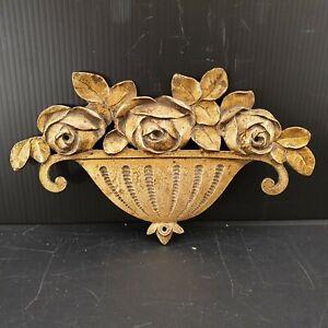 Bronze doré ameublement ornement de meuble. Panier corbeille de roses