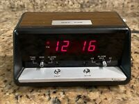 Vtg. Sears, Roebuck, & Co. Electronic Clock 106T  Wood Grain Finish 7196 Works