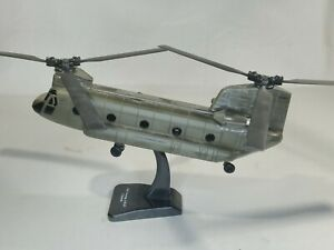 New-Ray 1/60 Boeing CH-47 Chinook Sky Pilot With Stand