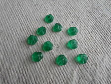 Cuentas checas de vidrio ~ flor prensada ~ Verde