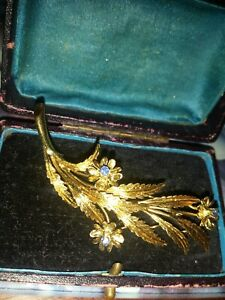 LOVELY Vintage 18ct GOLD & Sapphire Leaf BROOCH fully HALLMARKED