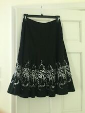 Allison Taylor Black Embroidered Floral Skirt size 8