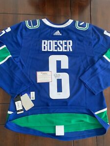 BNWT Vancouver Canucks signed Boeser jersey with COA