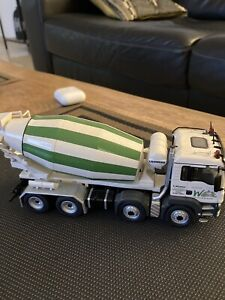 NZG concrete mixer.Perfect condition.Pre-owned,not used.