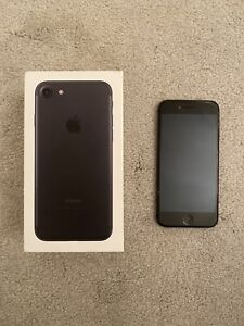 Apple iPhone 8 - 32GB - Space Grey