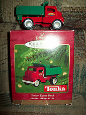 TONKA DUMP TRUCK, HALLMARK KEEPSAKE ORNAMENT DATED 2000, VG DISPLAYED CONDITION