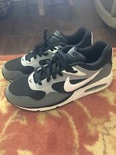 NEW Men's Nike Air Size 9 Black Gray White Athletic Shoe Tennis Shoe