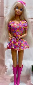 1992 Caboodles Barbie Doll