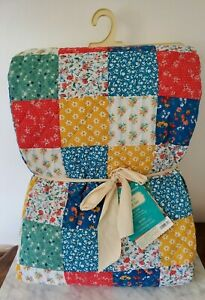 The Pioneer Woman Quilt Floral Patchwork 3-Piece Brand New Blanket Home Deco NEW
