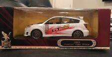 ROAD SIGNATURE 2003 PONTIAC VIBE TUNER WHITE 1:18 SCALE NEW IN BOX