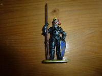 Petit soldat en plastique, à la lance et bouclier, Moyen Age, Elastolin