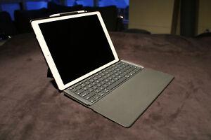 Apple iPad Pro 1st Gen. - 12.9 in + Apple Pencil + Logitech Case