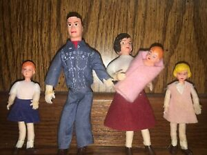 "Vintage Dollhouse 5"" Doll Family Of Five"