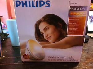 Philips SmartSleep Wake-up Light HF3520/60 Colored Sunrise Simulation