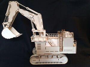 Laser Cut Wooden Excavator 3D Model/Puzzle Kit