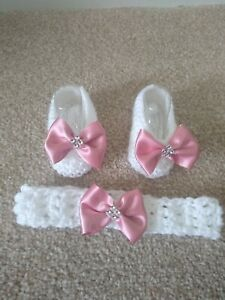 Hand Knitted Baby Girl White Shoes With  Bow And Matching Headband Size Newborn