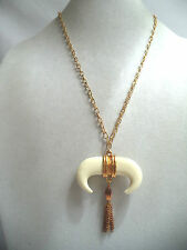 STUNNING VINTAGE WAREHOUSE NOS LUCITE VIKING  BULL CHAINS NECKLACE!!! WGA1491