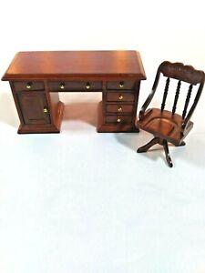 Executive Desk Swivel Looking Chair 6 working Drawers 1 Door
