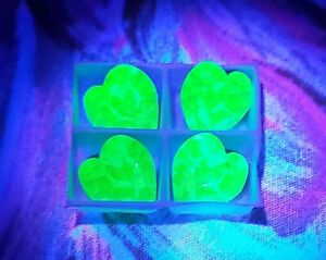 Vintage Uranium Green UV Reactive Heart 11mm (4) Swarovski Crystal Rhinestones