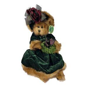 Bearington Bear Plush Emily 1487 In Dark Green Velvet Dress Holding a Wreath NWT