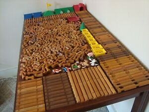 Lincoln Logs HUGE Lot 446 Pieces Roofs People Animals TONS of Different Pieces