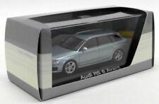 Voitures de tourisme miniatures argenté pour Audi
