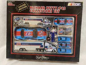Racing Champions Richard Petty #43 Collectors Set NASCAR Limited Edition