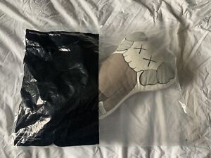 ORIGINALFAKE KAWS COMPANION PILLOW PLUSH CHUM MEDICOM MADE IN JAPAN