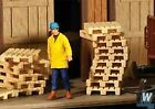 WALTHERS SCENEMASTER HO SCALE WOOD PALLETS 12/ 949-4129