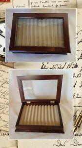 Levenger Wood & Glass Display Case For Fountain Pens / Holds 10 Pens