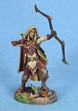 DARK SWORD MINIATURES - DSM7420 Male Wood Elf Archer